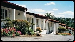 Browns Bay Olive Tree Motel & Apartment