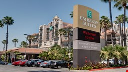 Embassy Suites by Hilton, Los Angeles - Downey