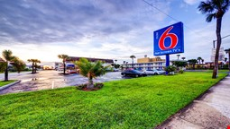 Motel 6 Cocoa Beach
