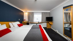 Holiday Inn Express Oldbury