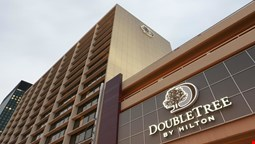 DoubleTree by Hilton Cleveland Downtown - Lakeside