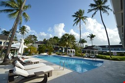 Discovery Bay by Rex Resorts