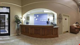 Holiday Inn Express & Suites Fultondale