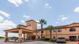 Days Inn and Suites Pasadena