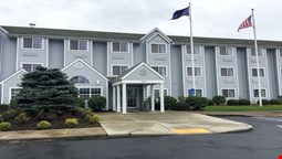 GuestHouse Inn & Suites Sutherlin