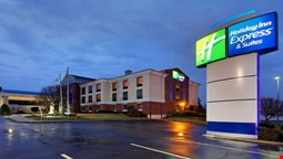 Holiday Inn Express Suites Tyler North