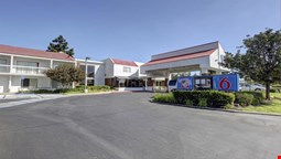 Motel 6 Irvine - Orange County Airport