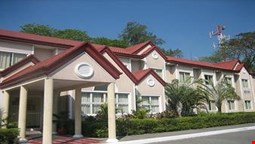 Microtel Inn & Suites by Wyndham Tarlac