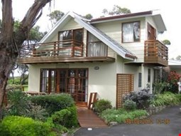 Anchlia Waterfront Cottages
