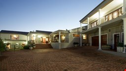 Sea Whisper Guest House & Self Catering