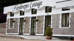 Northrepps Cottage Country Hotel