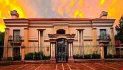 Caesars Guesthouse & Conference Centre