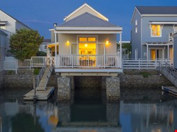 Thesen Islands Holiday House