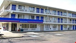 Motel 6 Cleveland East - Macedonia