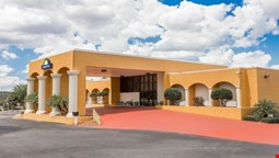 Days Inn and Suites Clermont