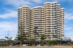 Beach House Seaside Resort Coolangatta