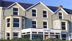 The Edgcumbe - Guest House