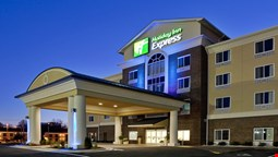 Holiday Inn Express Hotel and Suites Statesville
