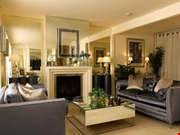 Andre's Mews Luxury Serviced Apartments