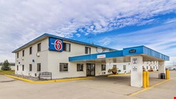 Motel 6 Fargo - South