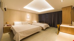 The Hotel Silkroad