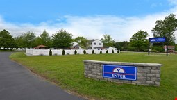 Americas Best Value Inn & Cottages
