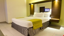 Microtel Inn & Suites by Wyndham Acropolis