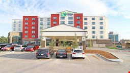 Holiday Inn Express & Suites Calgary NW - University Area