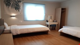 Uniqstay Hostel and Suite